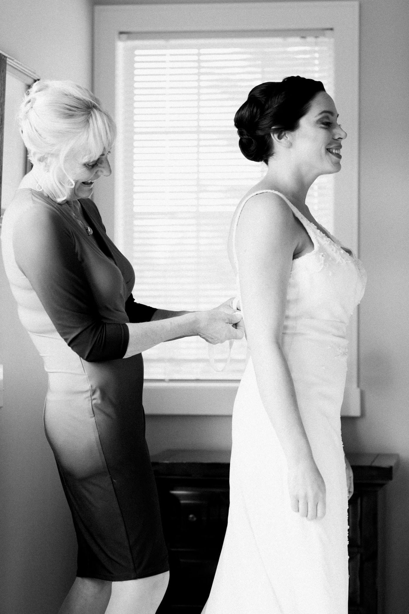 Bride and her mother | Vancouver wedding photographer
