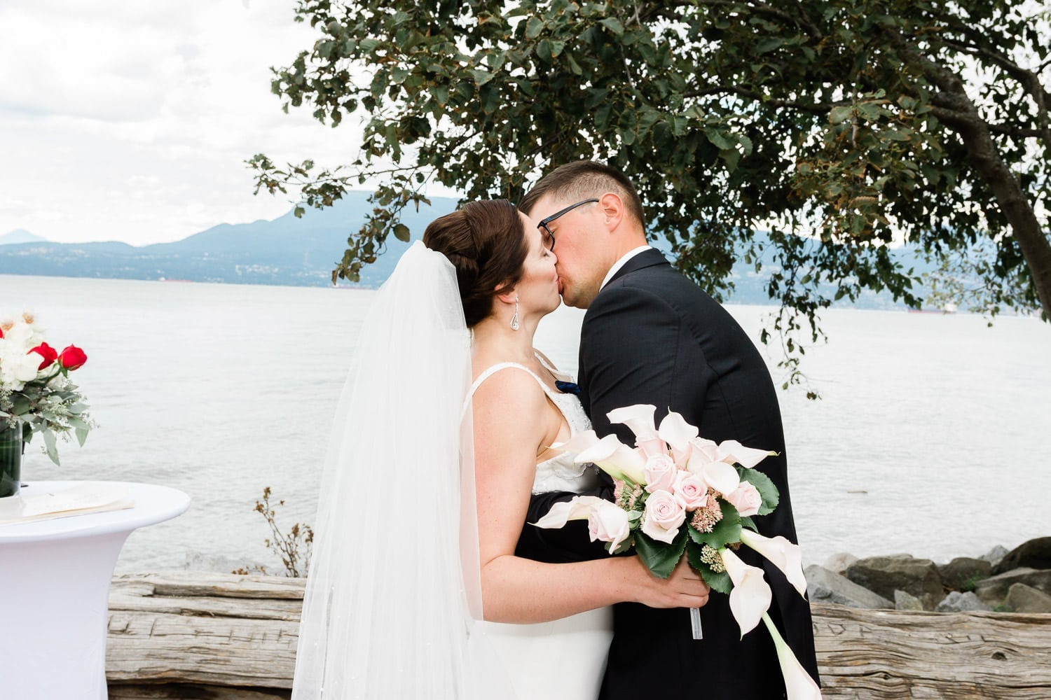Wedding ceremony on Spanish banks | Vancouver wedding photographer wedding on Spanish banks