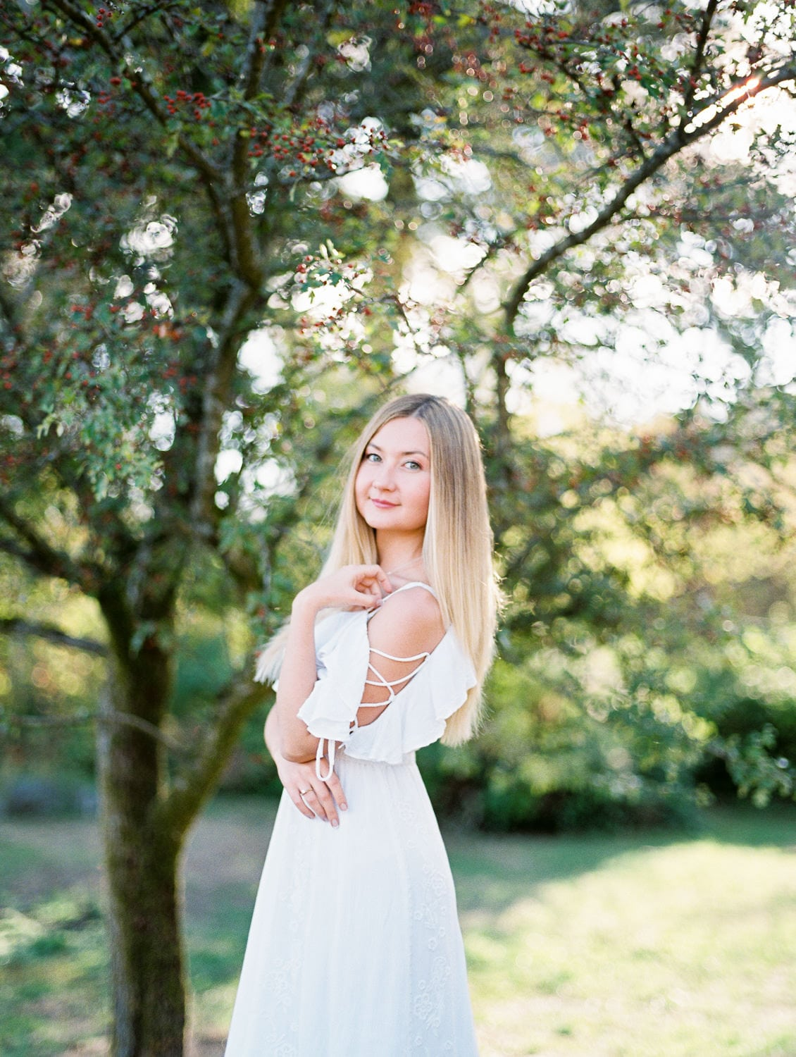 Girl in white dress portrait | Vancouver fine art photographer