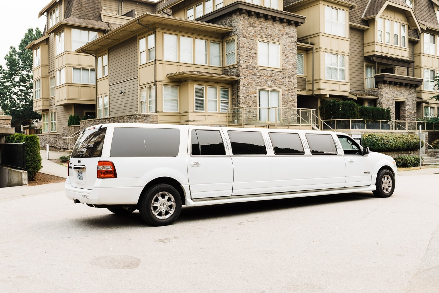Limo in front of groom's house | Vancouver wedding photographer | Westwood Plateau Golf Club Wedding