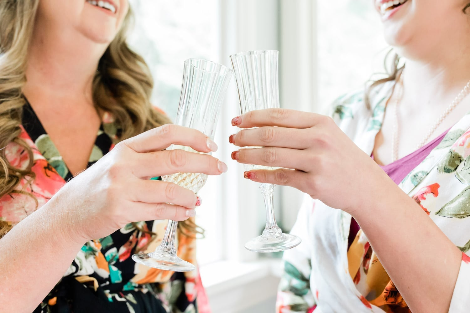 Bride and her mother with champagne | Vancouver wedding photographer