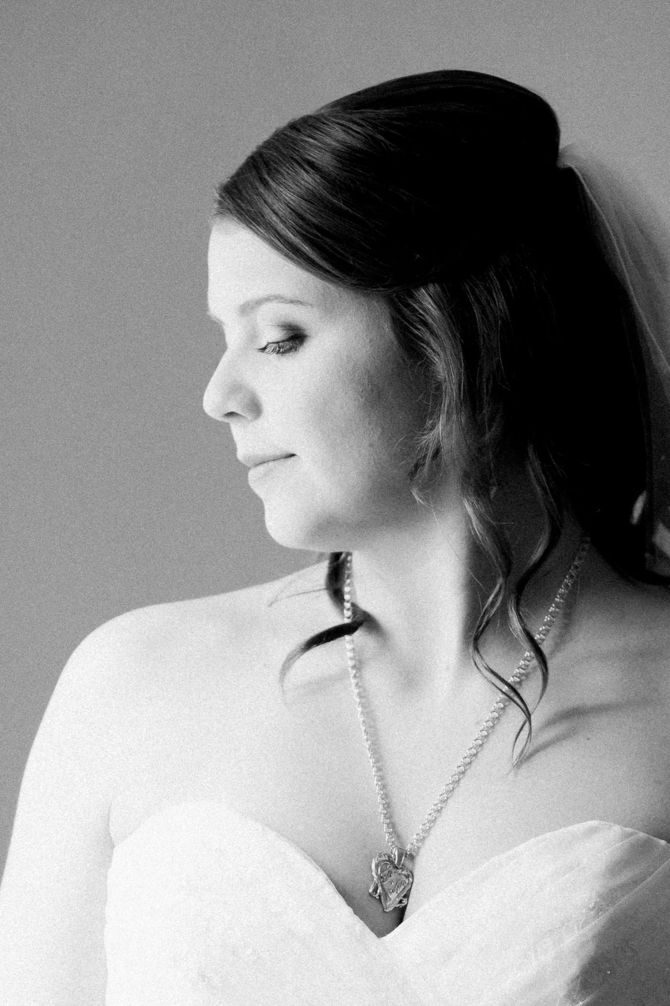 Bride portrait in b/w | Vancouver wedding photographer