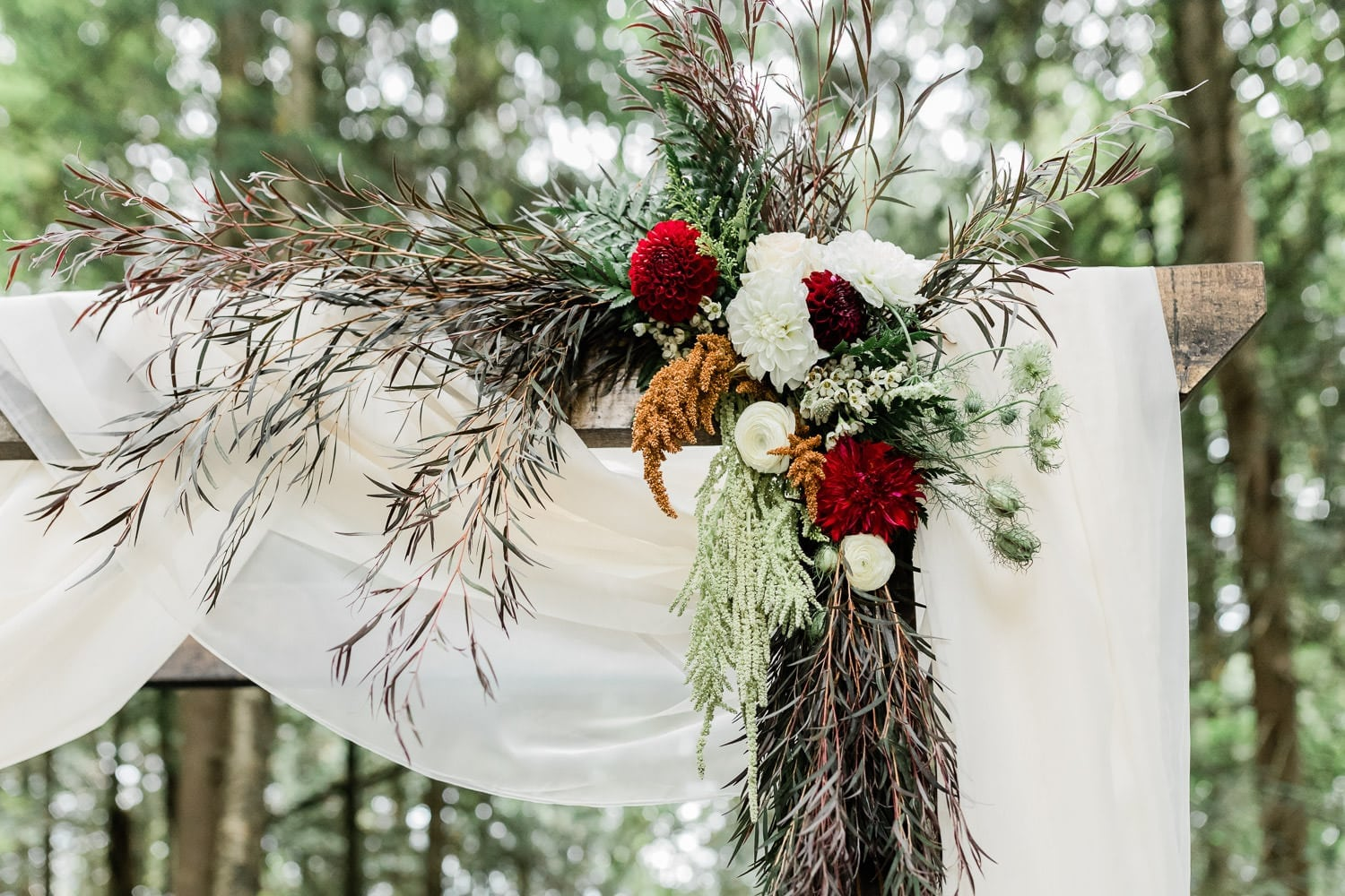 Wedding arch decoration | Vancouver wedding photographer