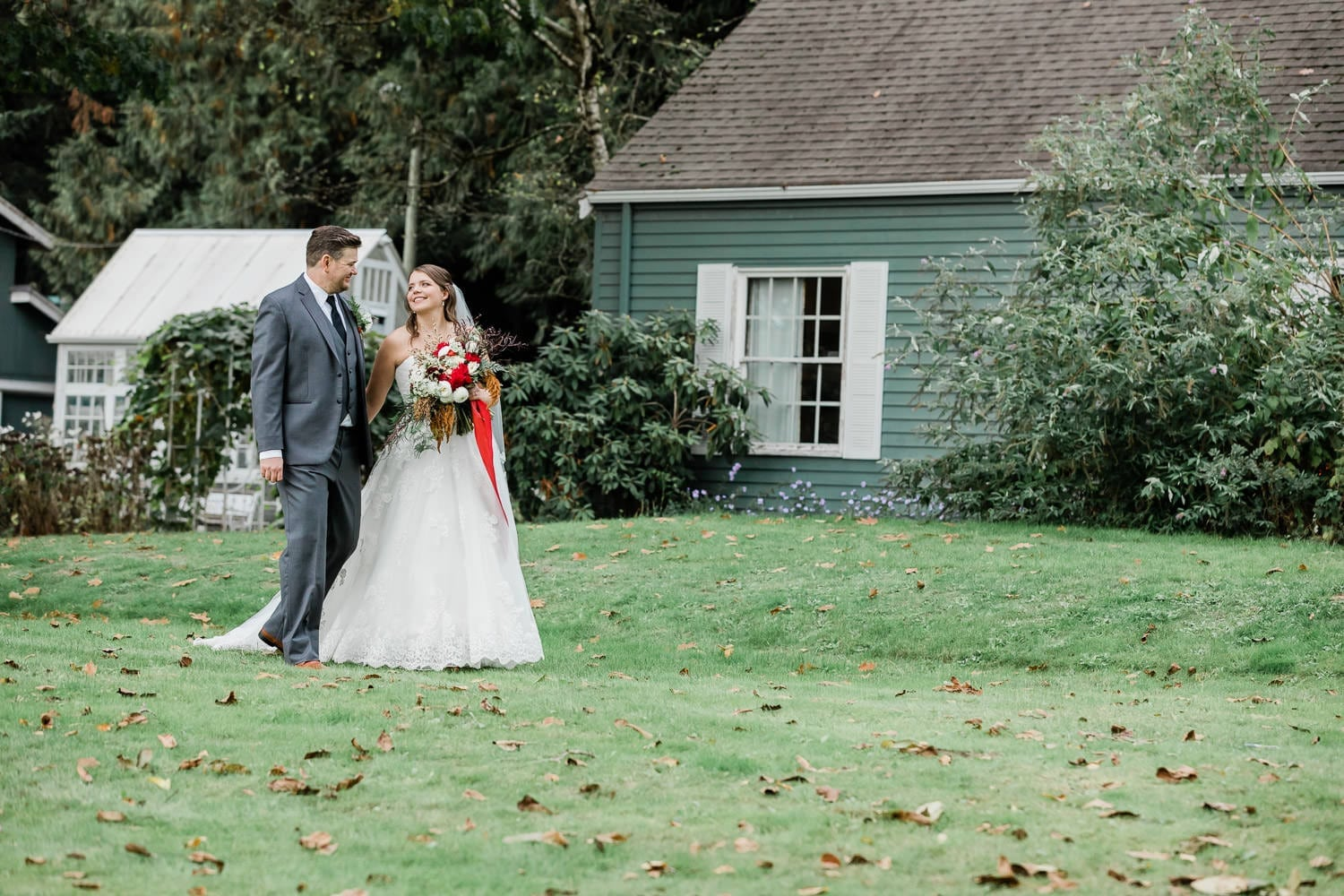 Rustic backyard forest wedding picture with bride and groom | Vancouver wedding photographer
