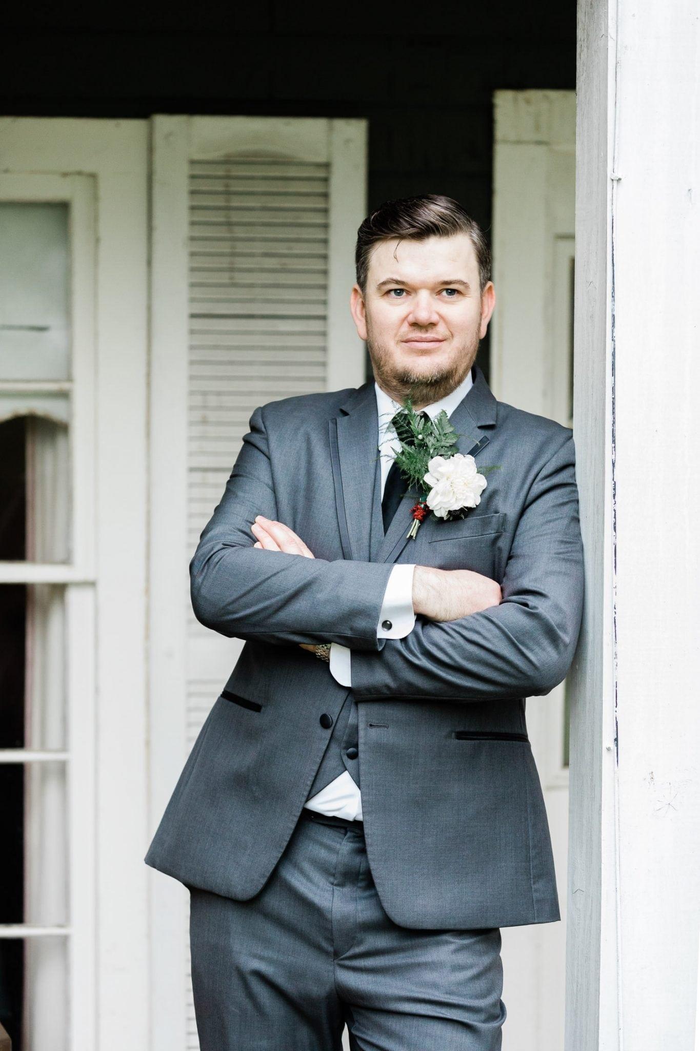 Rustic backyard wedding picture with groom | Vancouver wedding photographer