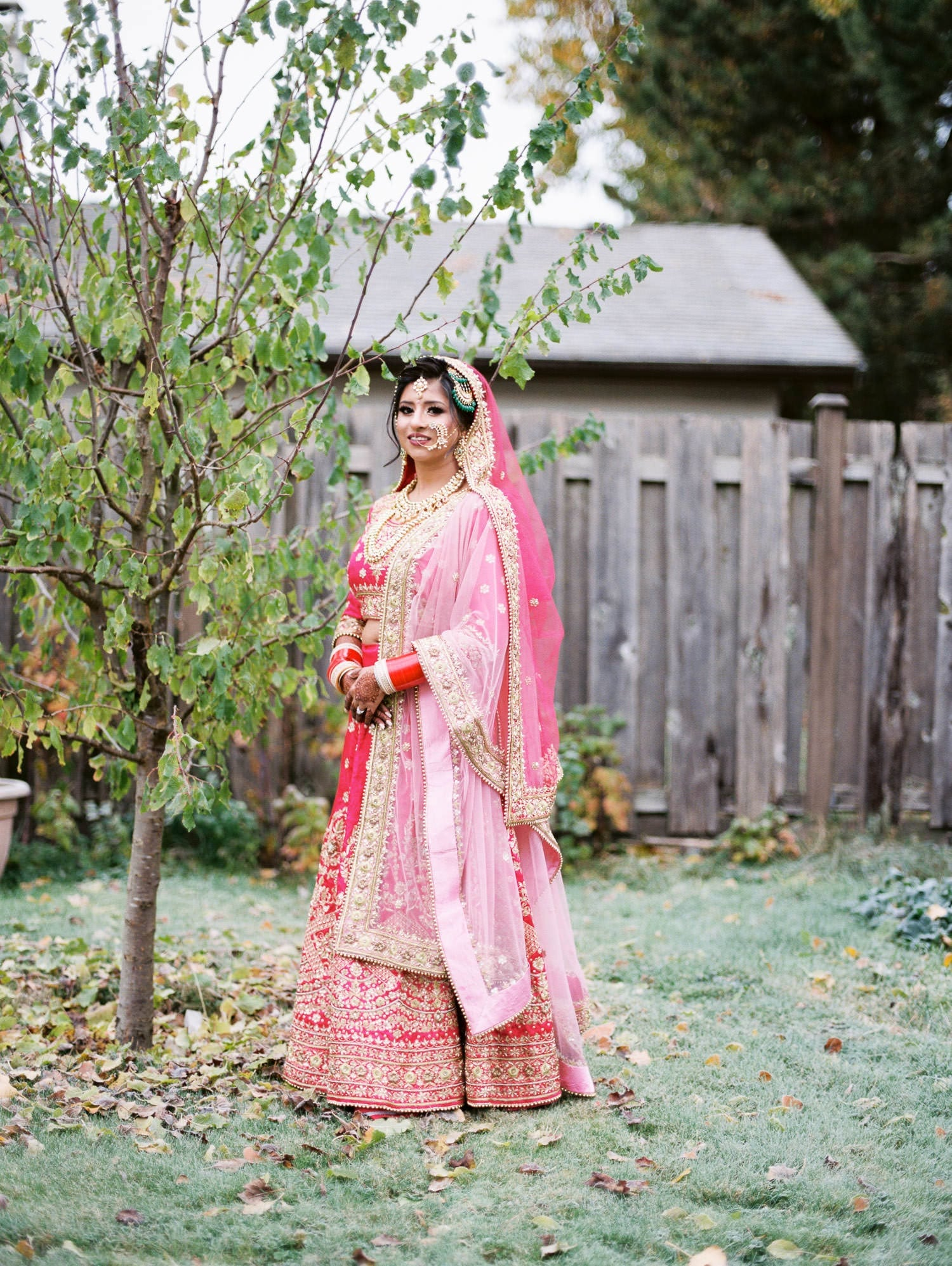 indian bride and groom photo in Minoru park